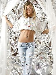 Gabriella | Behind The Curtain